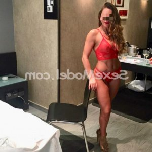 Amalie ladyxena massage tantrique escorte girl à Eaubonne