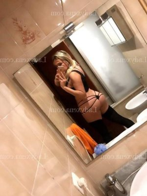 Tesse massage escort girl