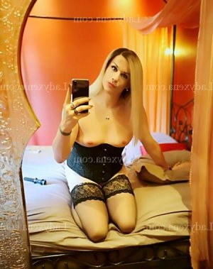 Houria escorte girl massage tantrique