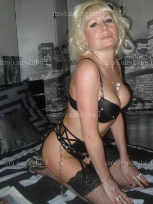 Krysta lovesita massage naturiste escorte girl
