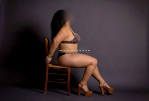 Hersilie massage tantrique ladyxena escorte girl